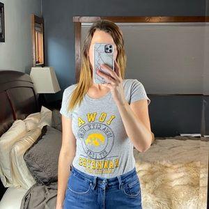 NCAA Iowa Hawkeye Iowa City T-Shirt, Medium